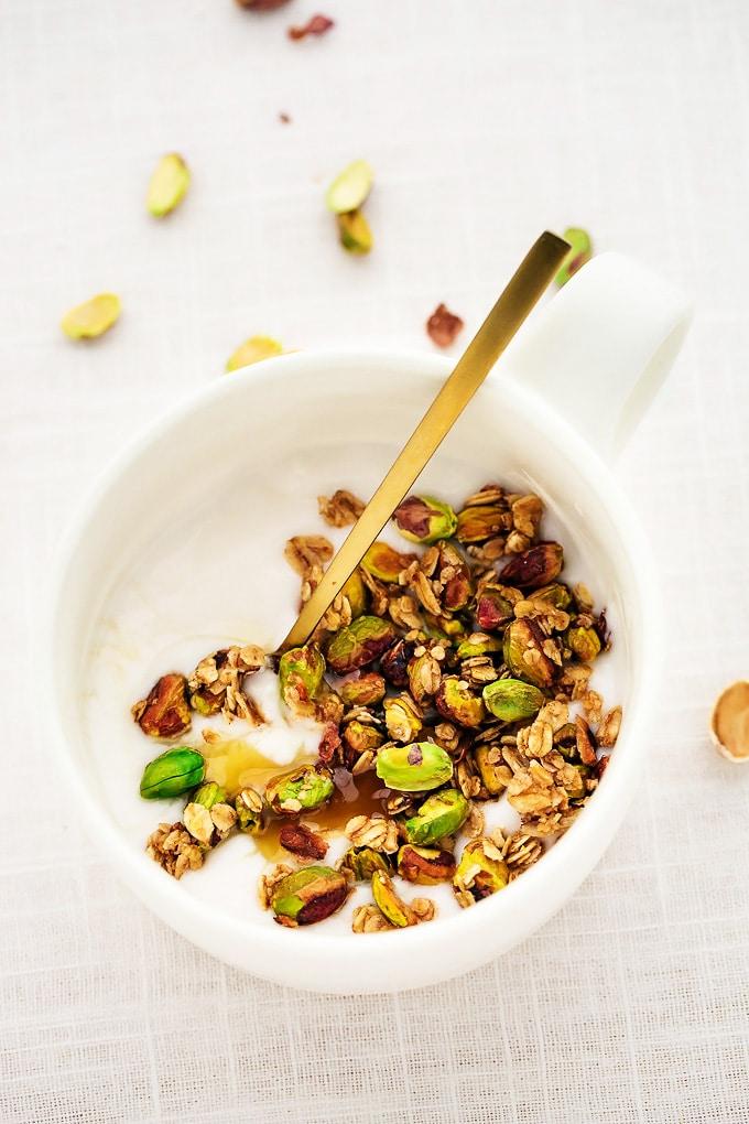 10-Minute-Easy-Vegan-Pistachio-Granola
